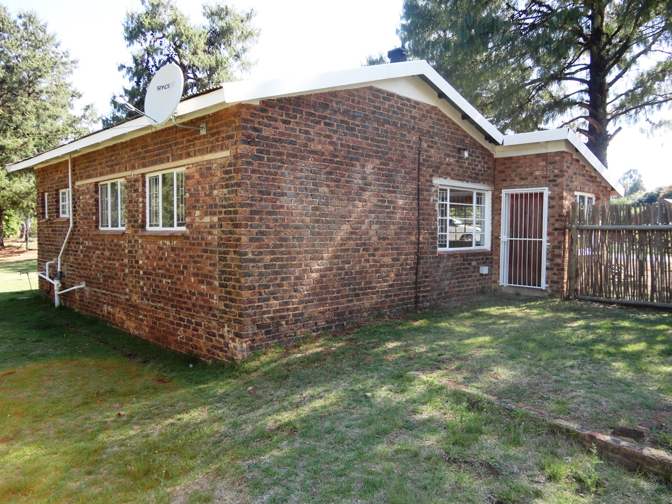 ZH389_-_Well_located_home_in_Dullstroom__9_