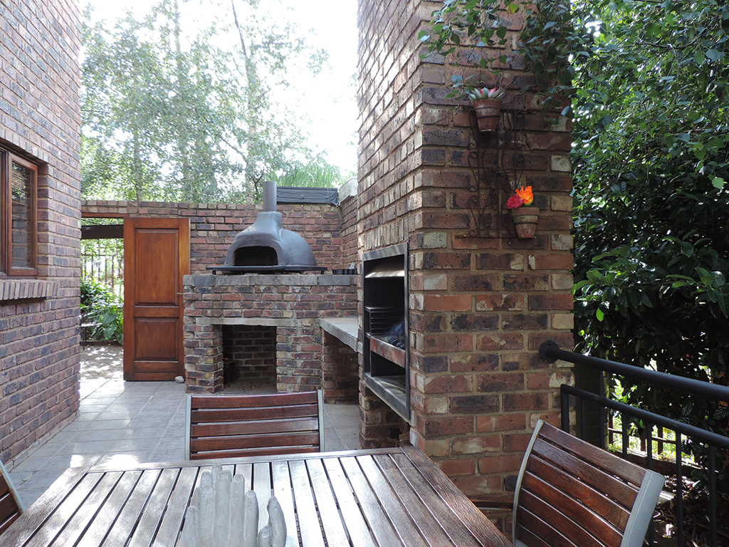 ZH392-Double_Storey_Home_Dullstroom__12_