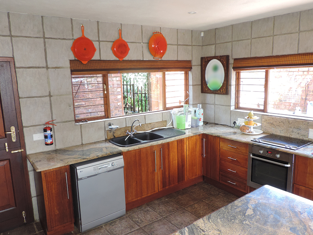 ZH392-Double_Storey_Home_Dullstroom__13_