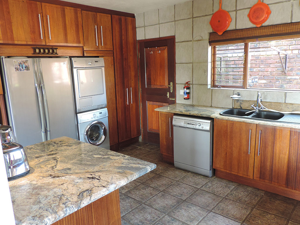 ZH392-Double_Storey_Home_Dullstroom__14_