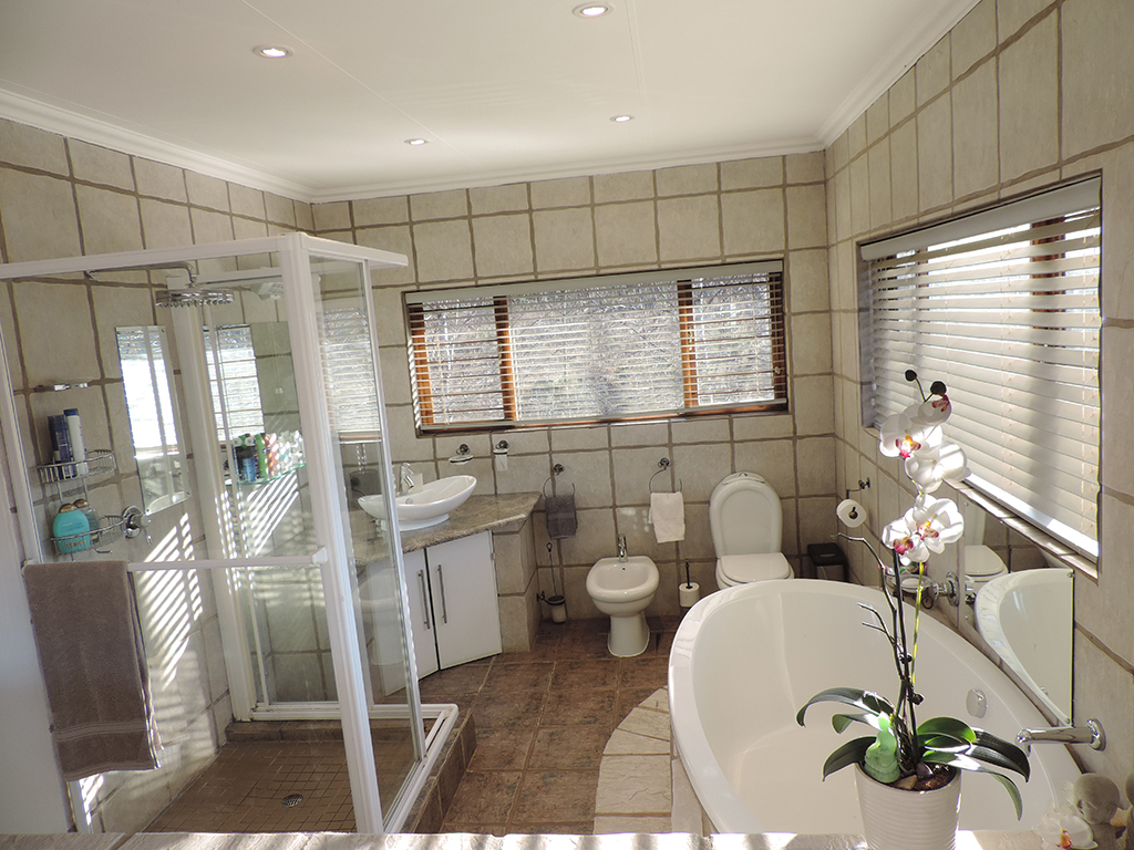 ZH392-Double_Storey_Home_Dullstroom__15_