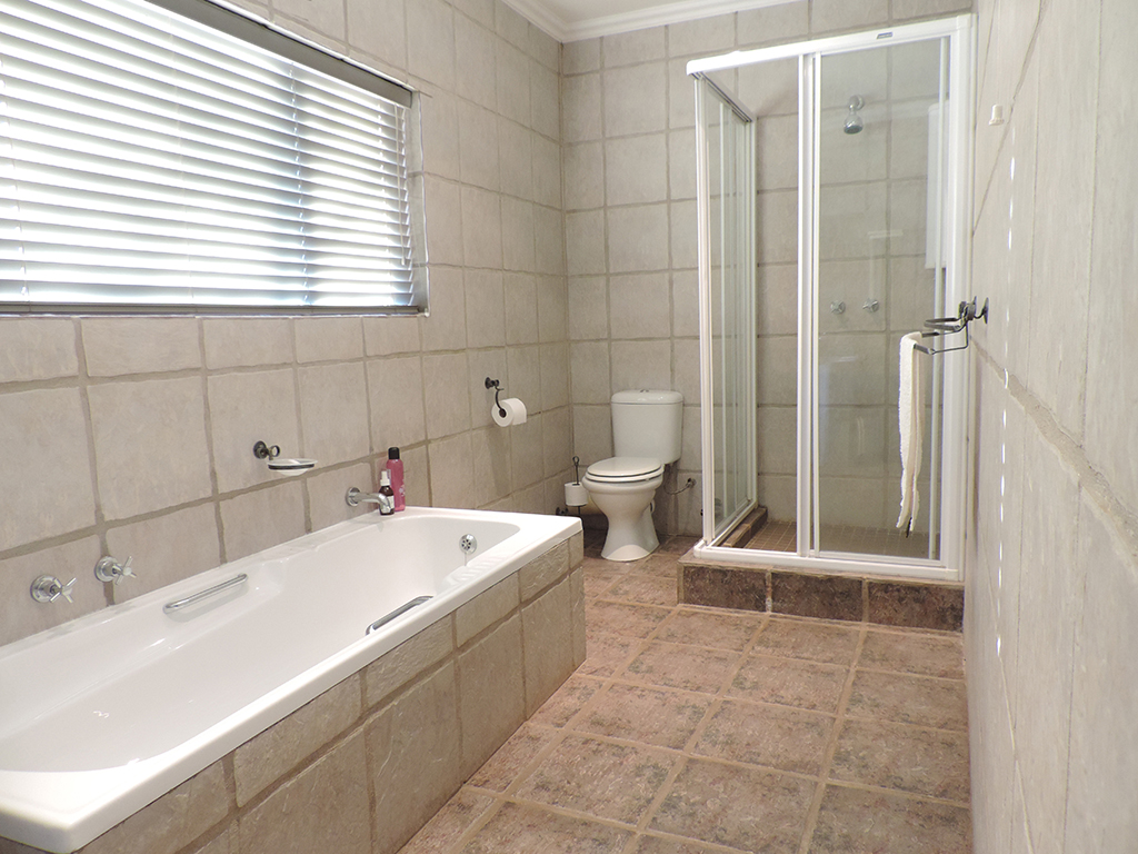 ZH392-Double_Storey_Home_Dullstroom__22_