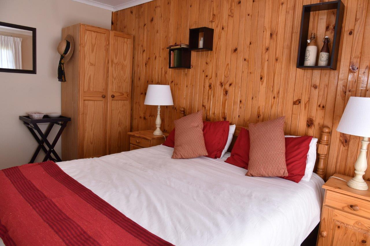 ZH402-Timber_Home_Excellent_Location_Dullstroom__22_