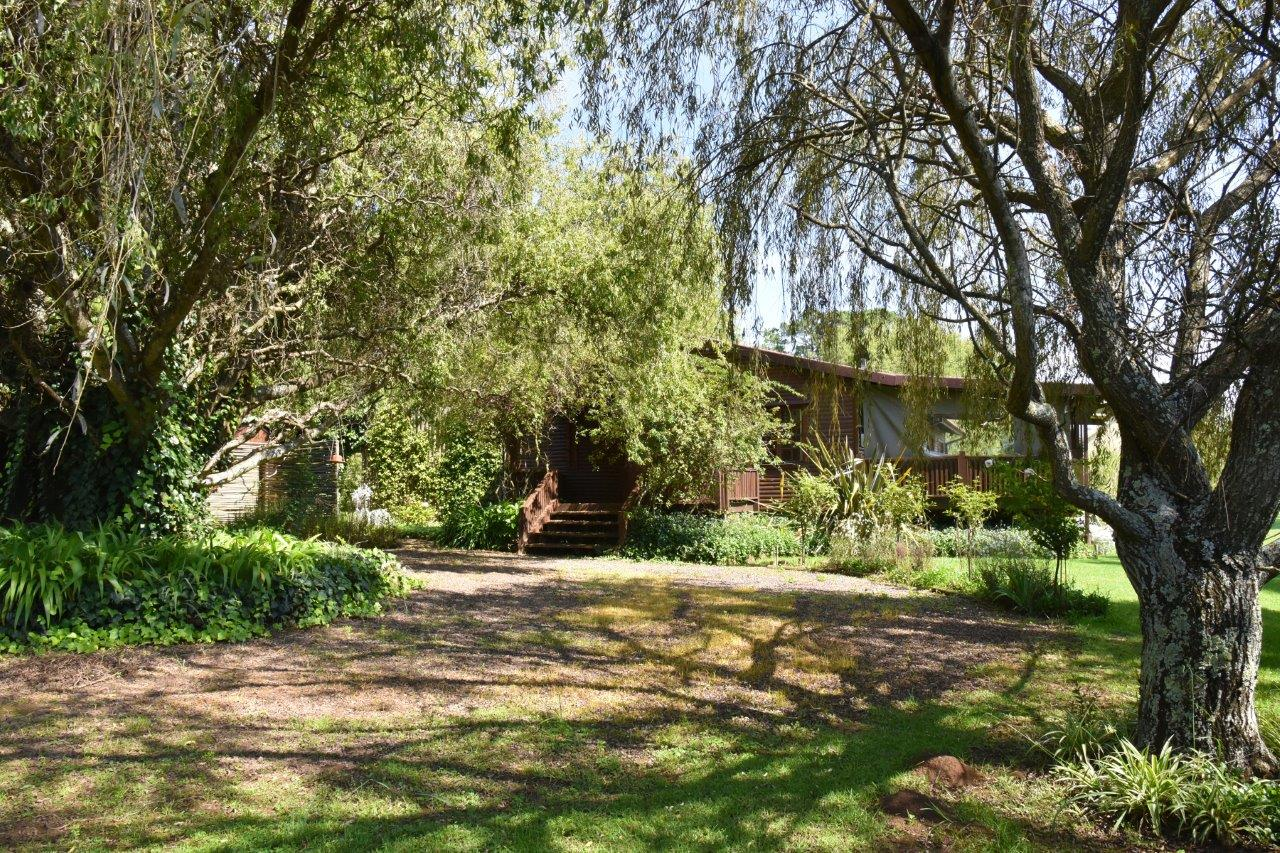 ZH402-Timber_Home_Excellent_Location_Dullstroom__28_