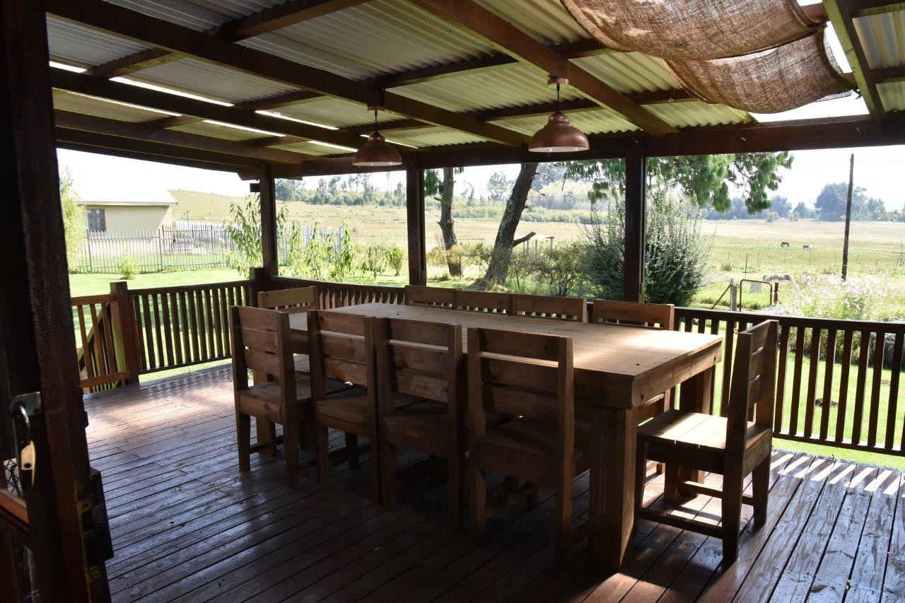 ZH402-Timber_Home_Excellent_Location_Dullstroom__30_