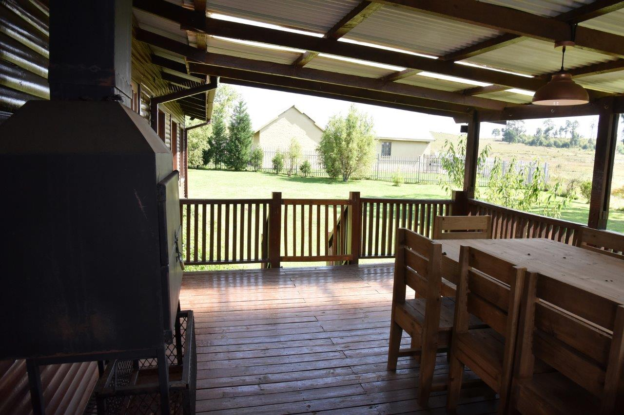 ZH402-Timber_Home_Excellent_Location_Dullstroom__32_