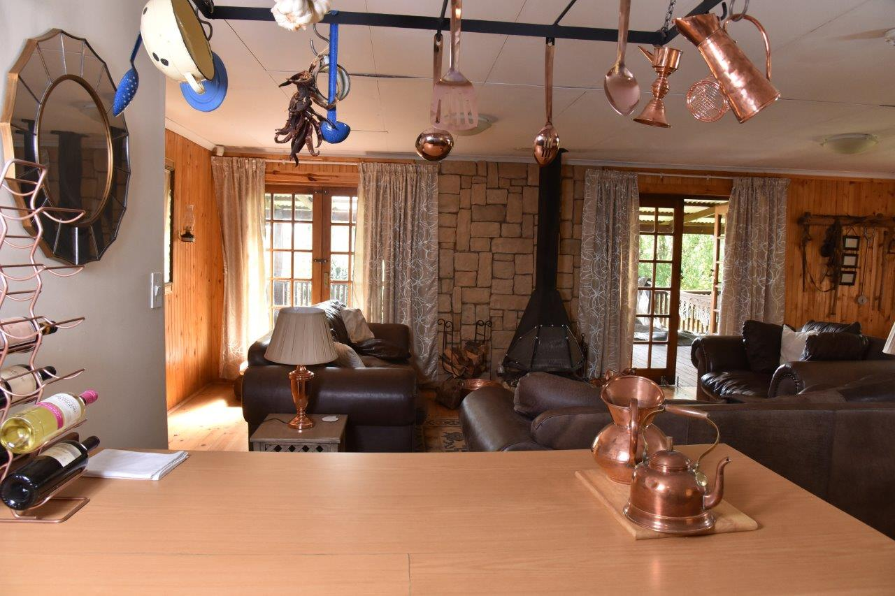 ZH402-Timber_Home_Excellent_Location_Dullstroom__6_