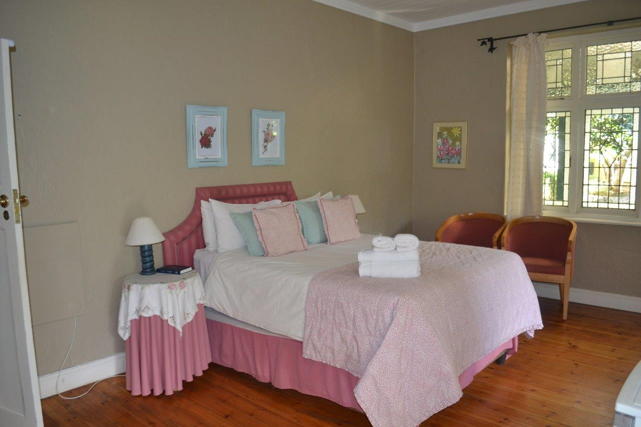 ZH410_-_Highland_Rose_Country_House__14_