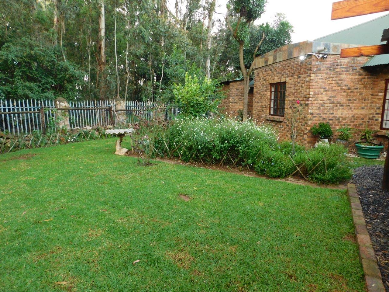 ZH409-Well_located_Dullstroom_Home__13_