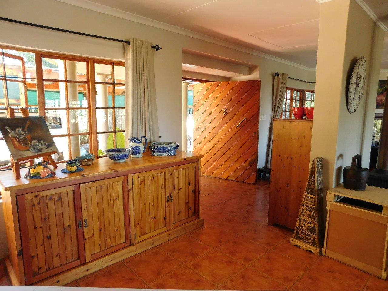 ZH409-Well_located_Dullstroom_Home__28_
