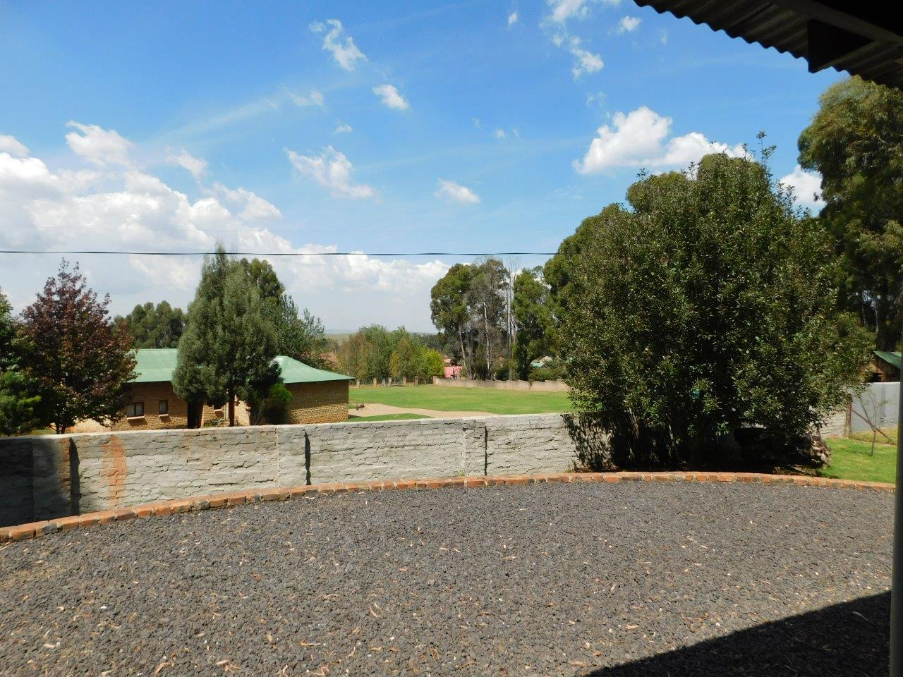 ZH409-Well_located_Dullstroom_Home__40_