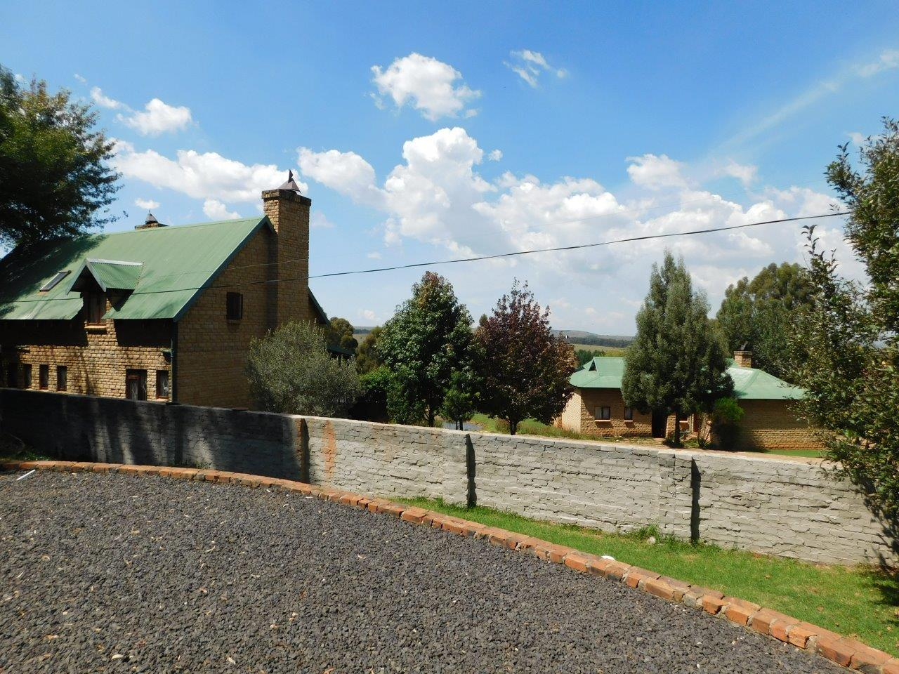 ZH409-Well_located_Dullstroom_Home__41_