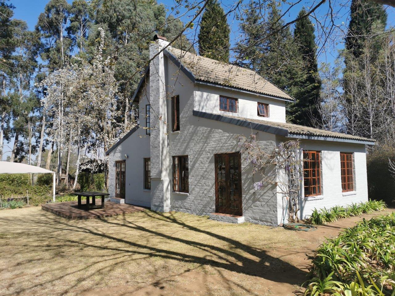 ZH415_-_Upgraded_Cottage_-_Ideal_Location__14_