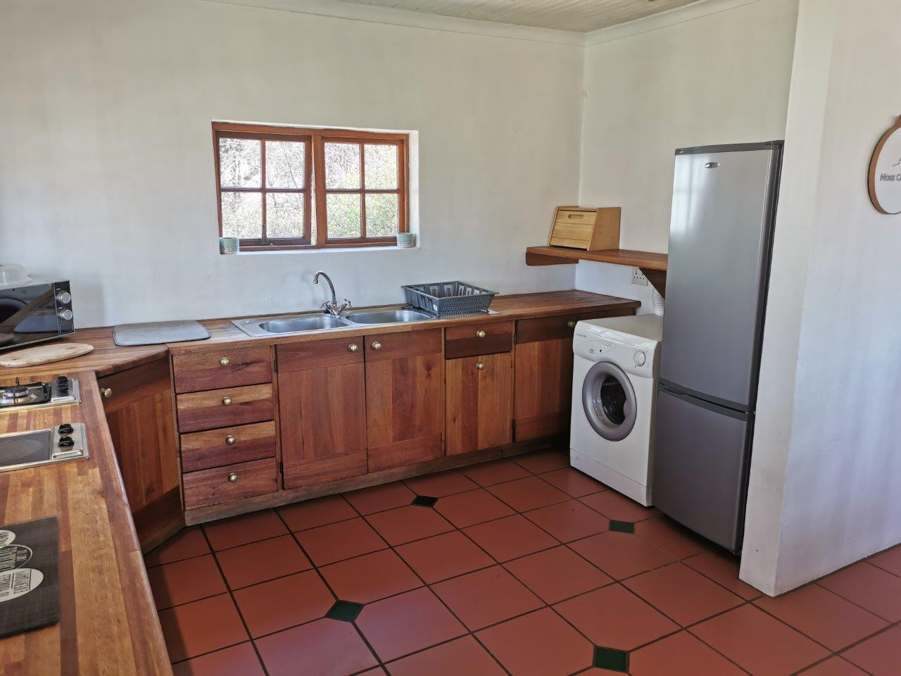 ZH415_-_Upgraded_Cottage_-_Ideal_Location__27_