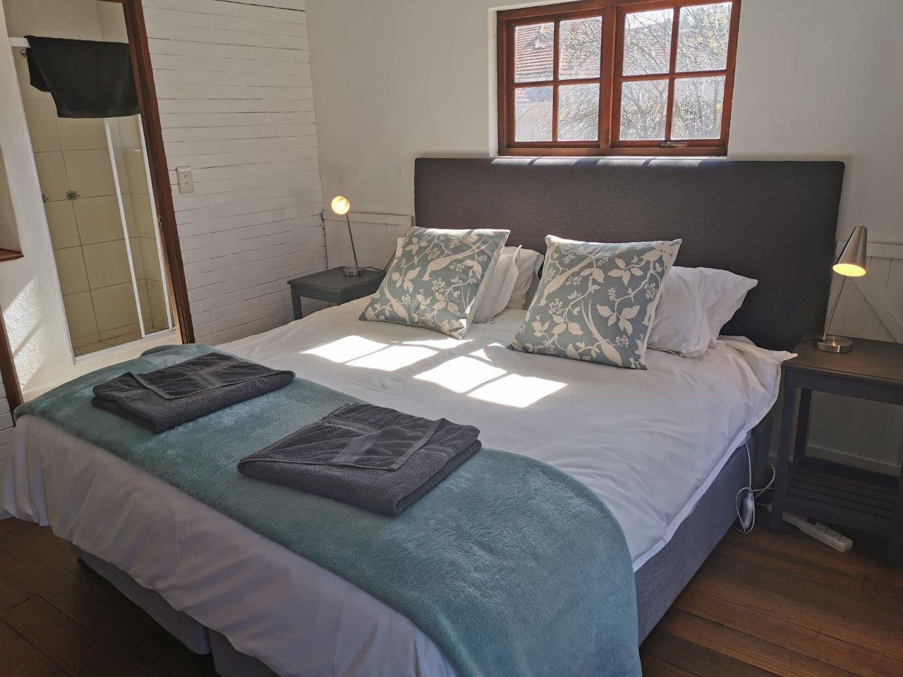 ZH415_-_Upgraded_Cottage_-_Ideal_Location__46_