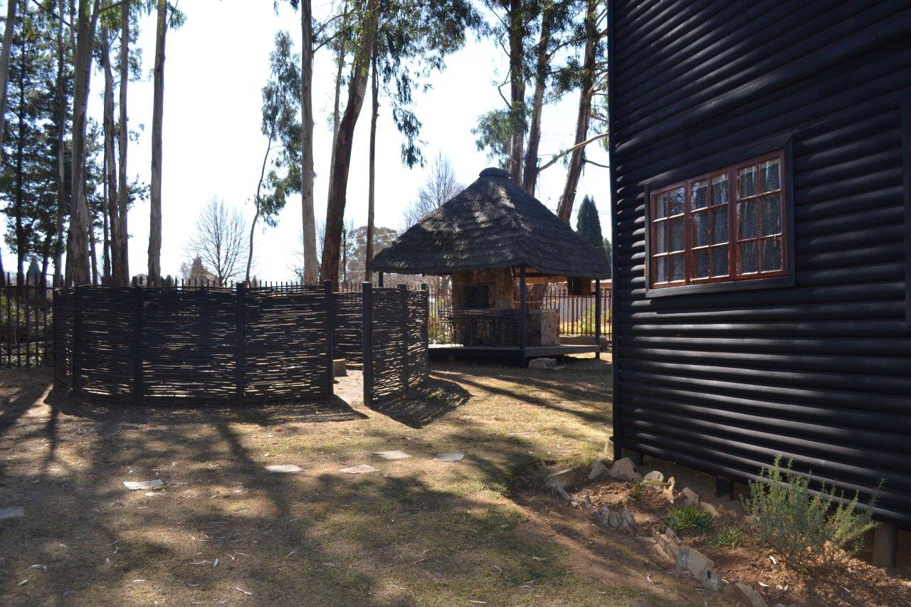 ZH416_-_Wooden_House_In_Dullstroom__14_