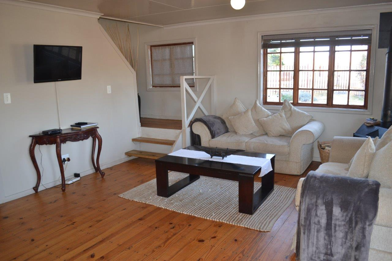 ZH416_-_Wooden_House_In_Dullstroom__19_