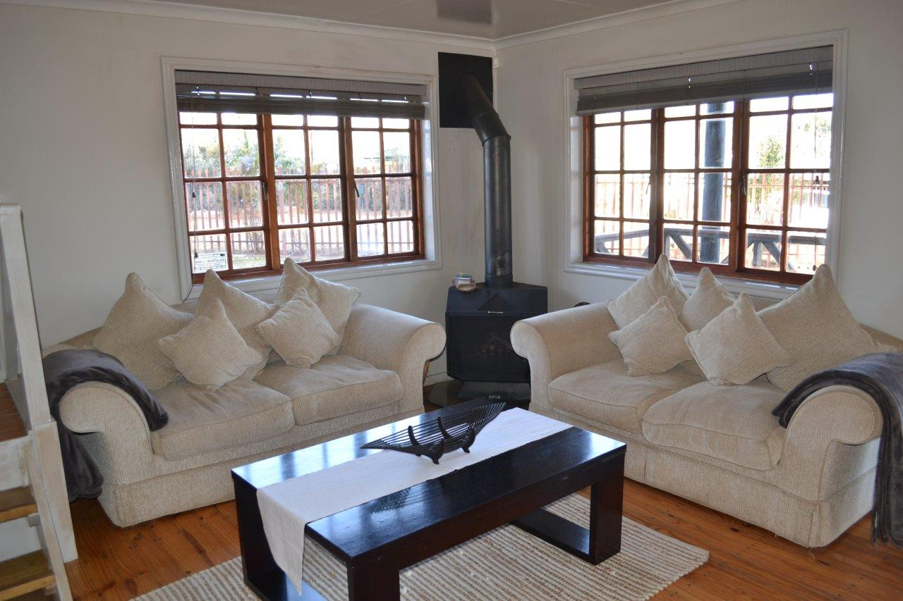 ZH416_-_Wooden_House_In_Dullstroom__23_