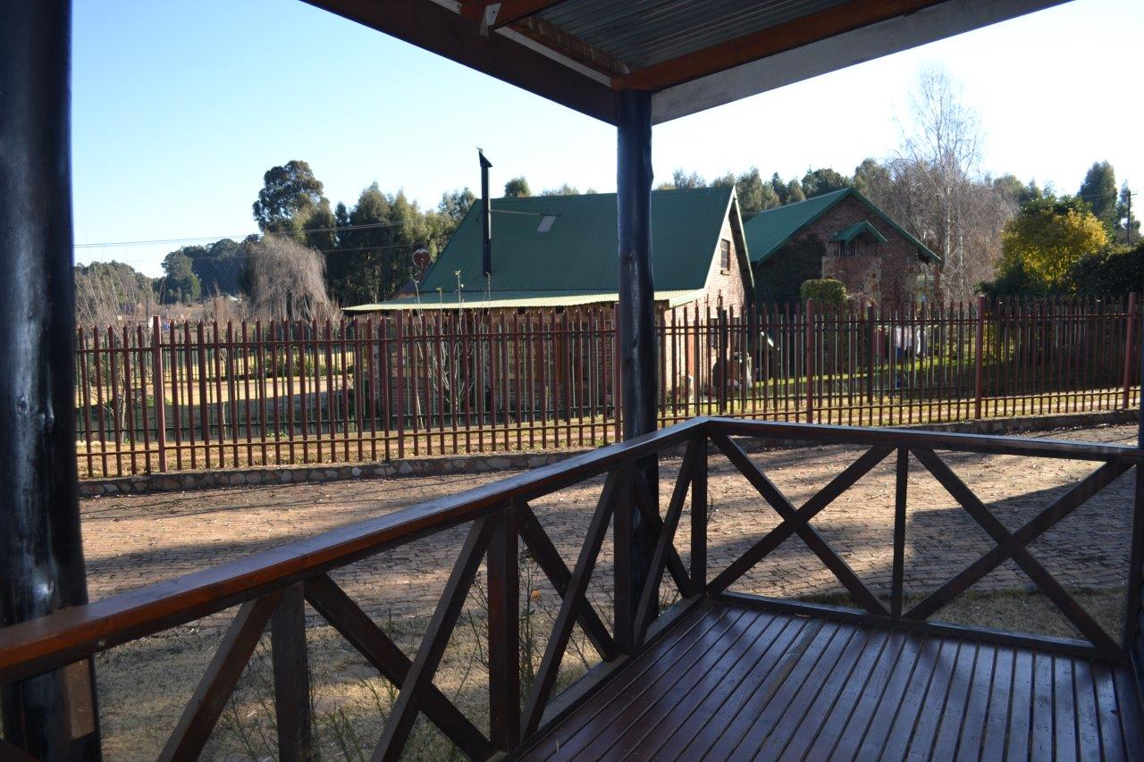ZH416_-_Wooden_House_In_Dullstroom__34_