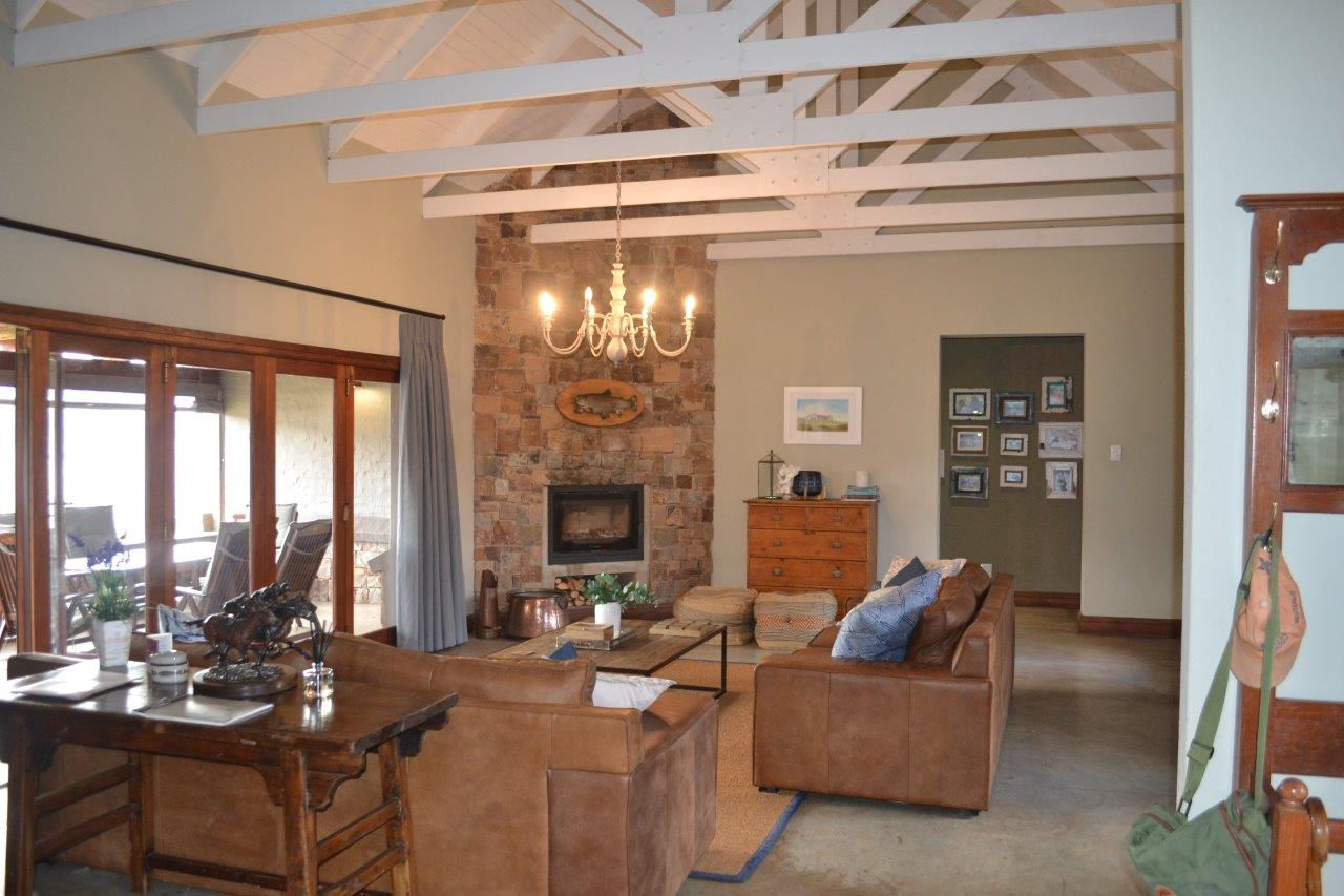 ZH418_-_Family_Holiday_Home_Dullstroom__7_