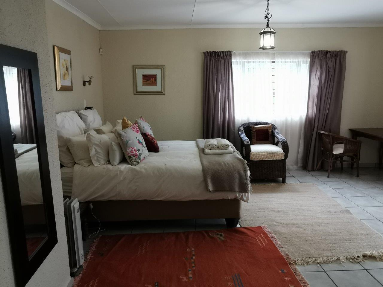 ZH427_-_Dullstroom_Home_with_views__10_