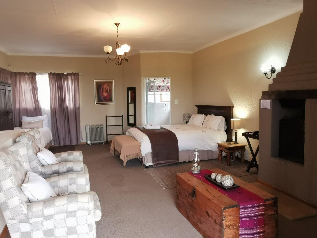 ZH427_-_Dullstroom_Home_with_views__27_
