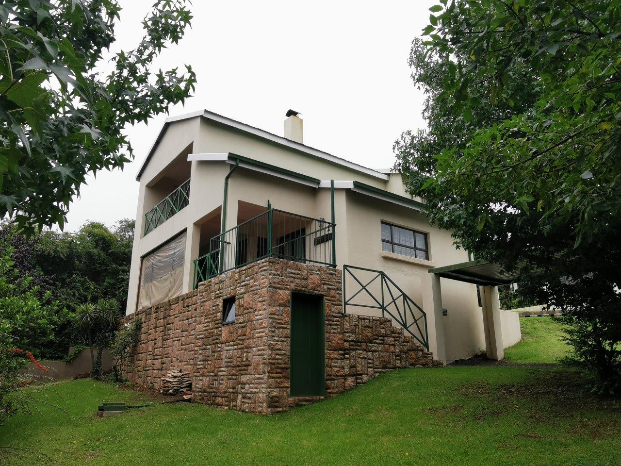 ZH427_-_Dullstroom_Home_with_views__39_