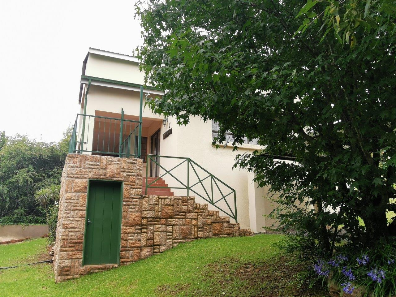 ZH427_-_Dullstroom_Home_with_views__40_